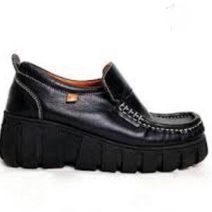MAG Queensize Loafer Black Leather